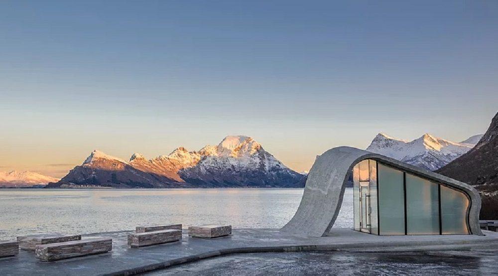 В Норвегии построили самый уникальный туалет в мире