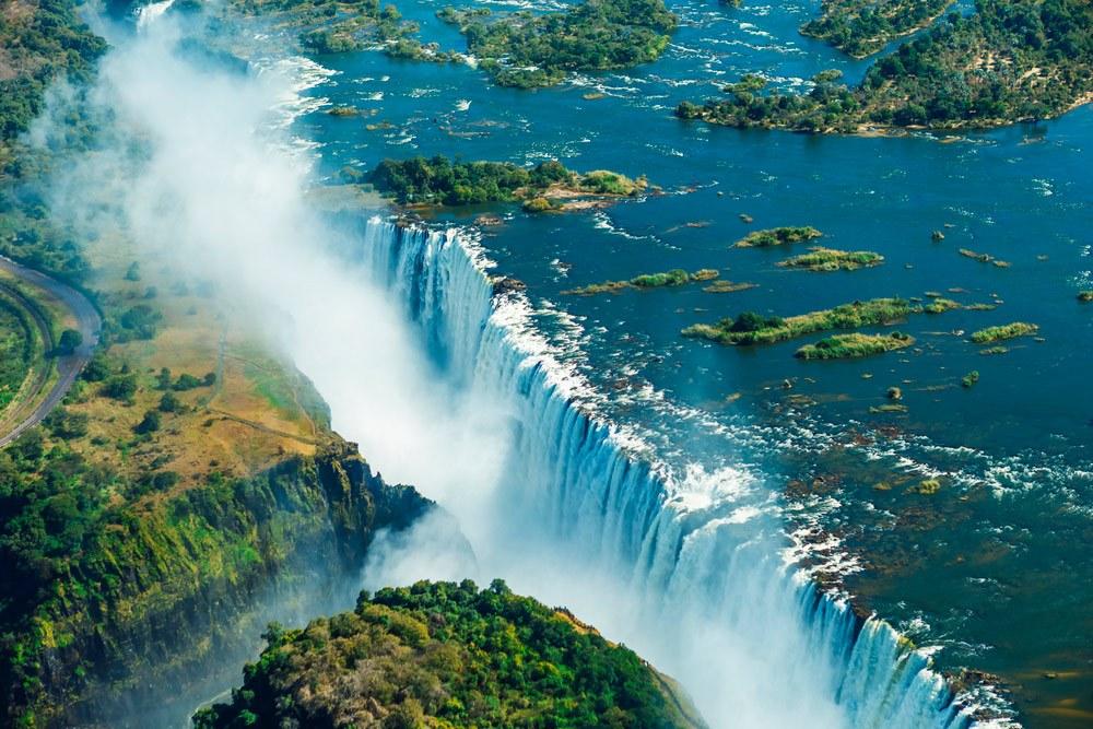 Знаменитый водопад Африки