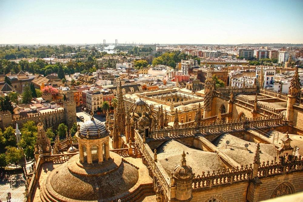 Севилья развивает туризм