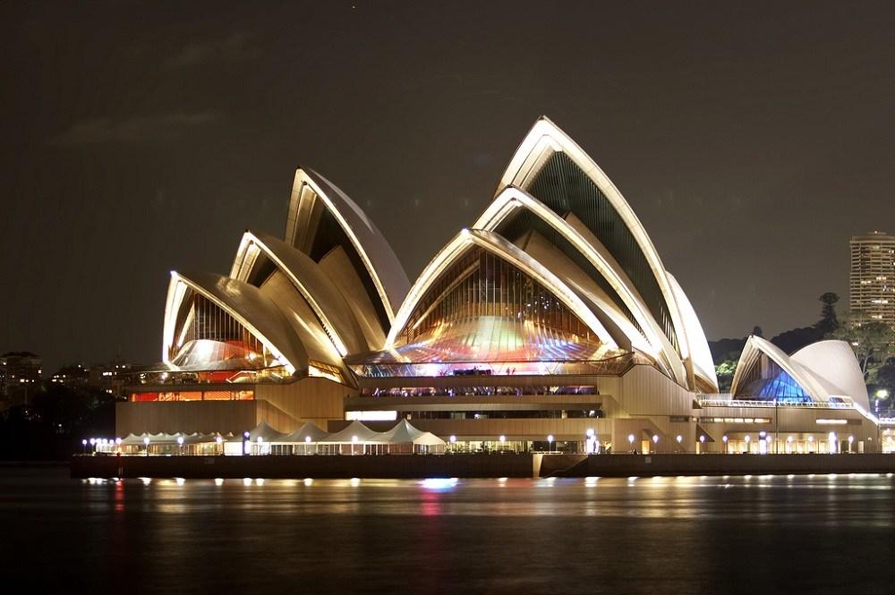 Население Австралии живет в городах