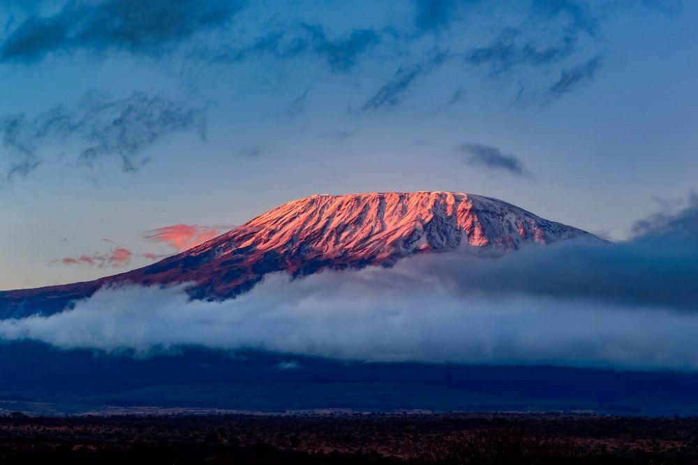 Девочка покорила Килиманджаро