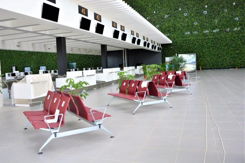 Зеленая стена аэропорт Симферополь