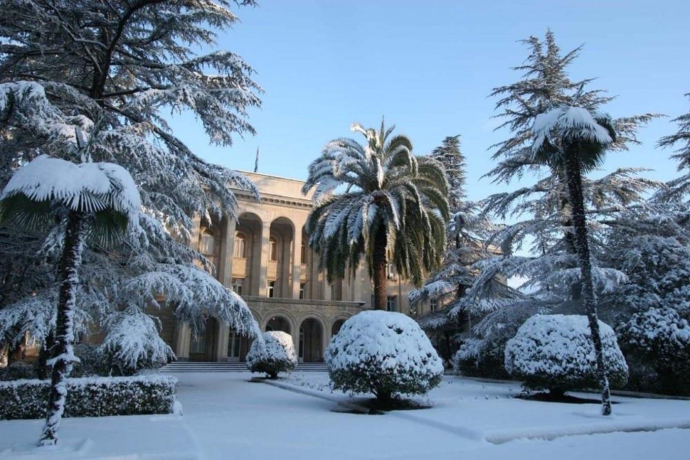Редкий снег в Абхазии