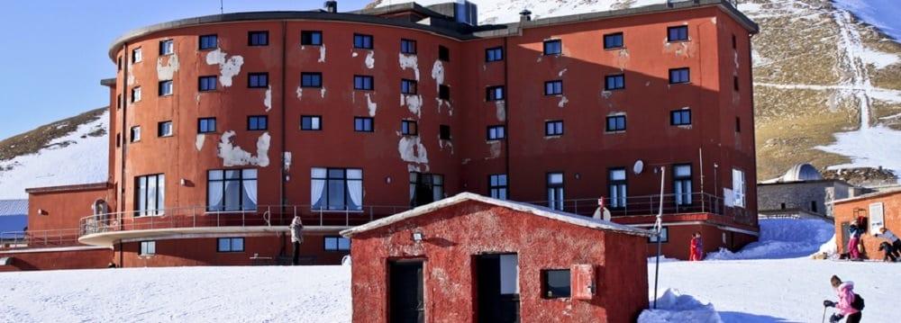 Тюрьма, где сидел Муссолини, станет гостиницей
