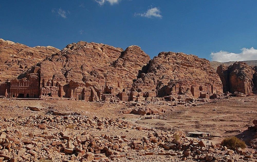 Город Петра, древний как жизнь