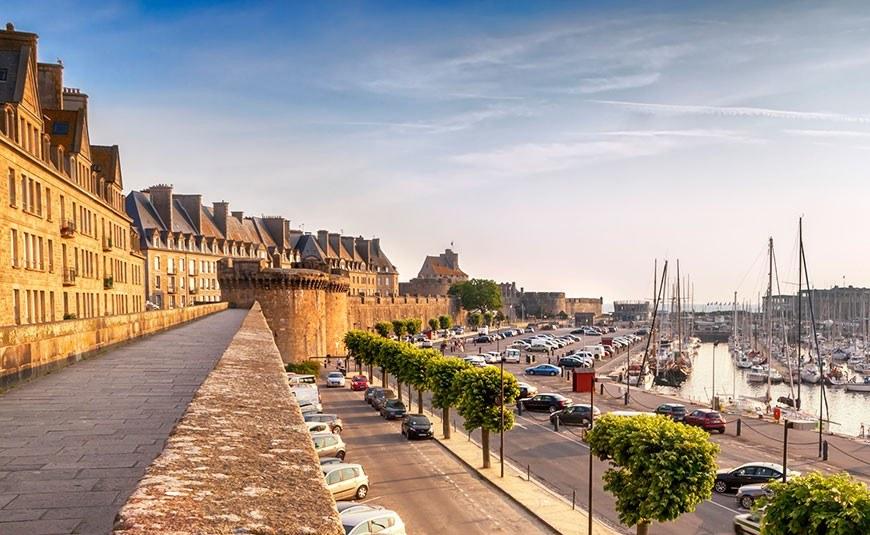 Где можно отдохнуть во Франции, кроме Парижа?