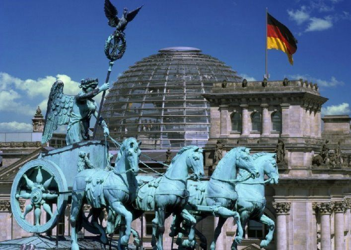 Berlin what does it attract tourists 4