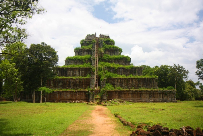 Interesting places in Asia or the capital of the Khmer Empire 3
