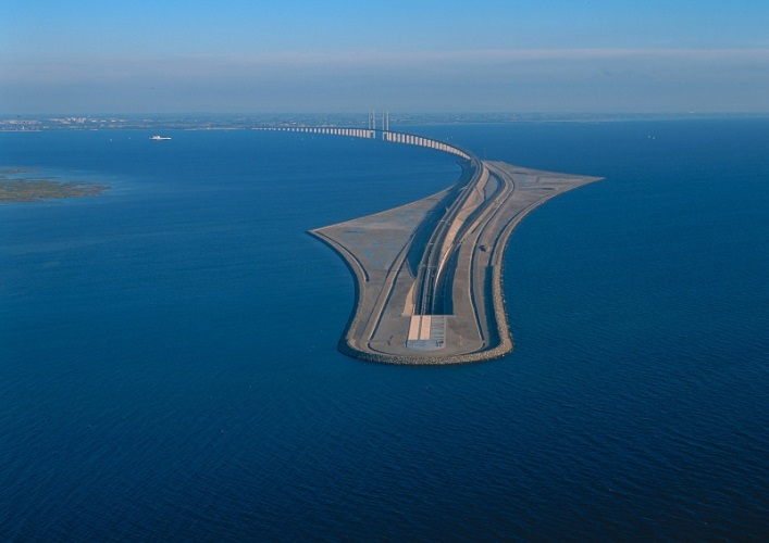 Interesting places in Europe the Øresund Bridge 4