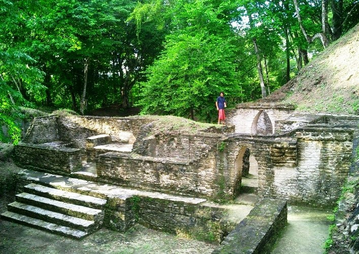 Traveling in America the ancient Mayan city of Kahal Pech 3