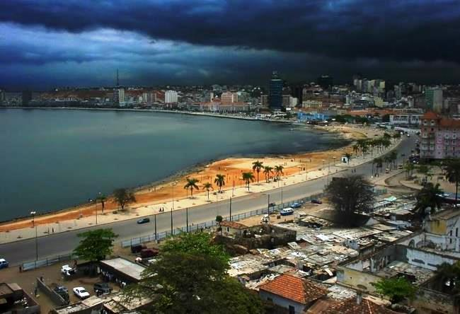 Luanda - the citys energy reserves 5