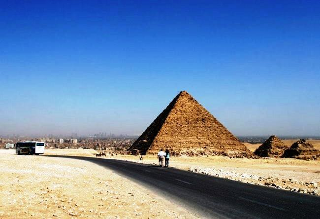 On the way to Cairo through the Giza the oldest road in the world 3