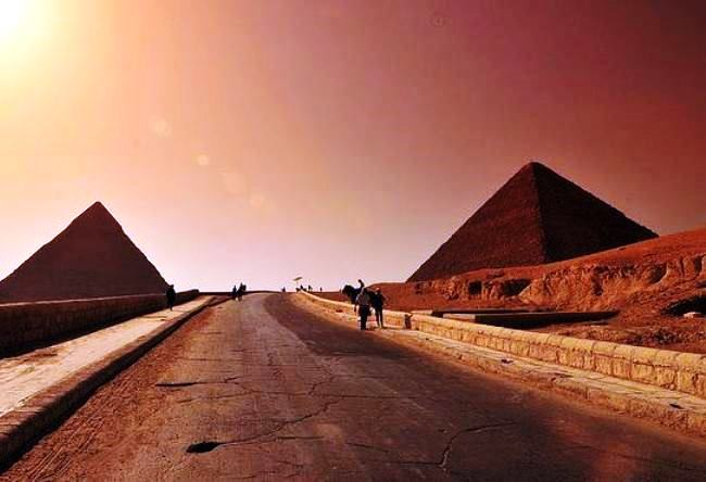 On the way to Cairo through the Giza the oldest road in the world 4