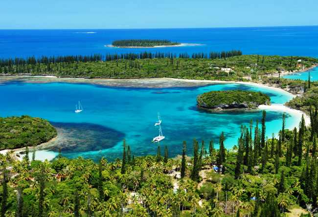 New Caledonia Heart in Voh 4