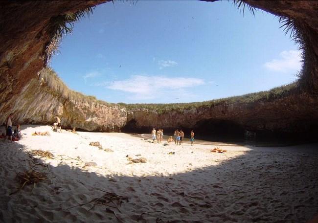 Остров который открыл Жак Ив Кусто 4