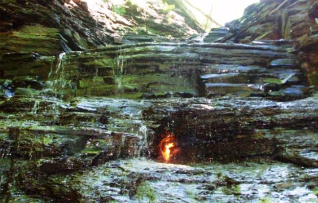 Водопад вечного огня в Буффало 2