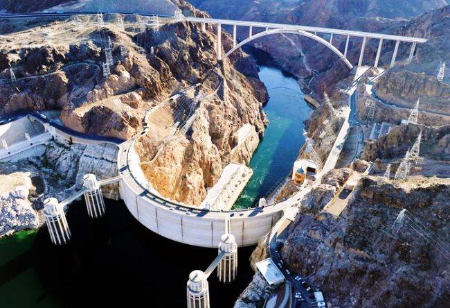 Плотина Гувера величавая спутница знаменитого Лас-Вегаса