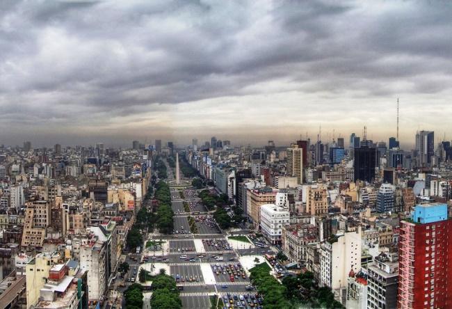 Улица 9 июля в Буэнос-Айрес  самая широкая улица в мире 4 1484.ам