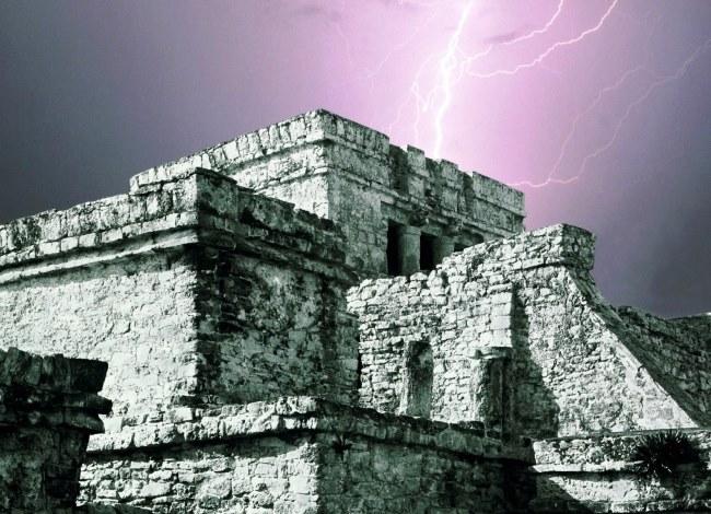 Город Тулум перед Спускающимся Богом