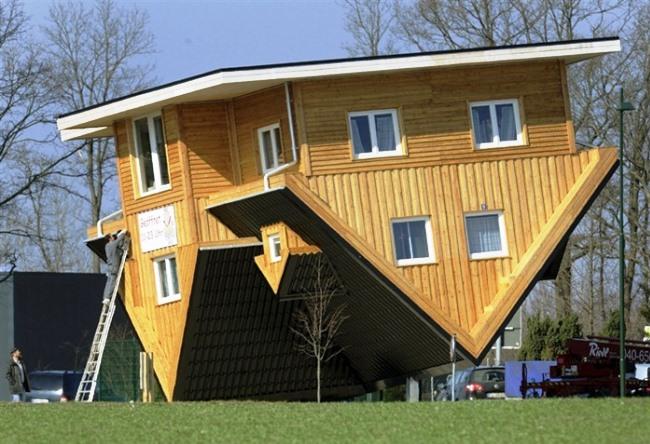Перевернутый дом в Гамбурге 2