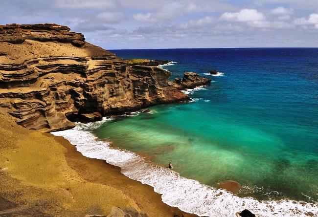 Пляж с зеленым песком  Папаколеа 4