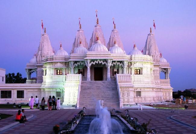 Канадский храм Шри Сваминараян Мандир 5