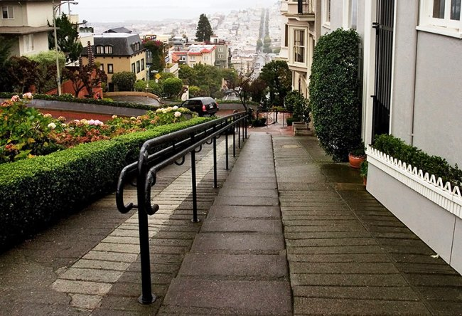 Lombard Street the most winding street in the world 5