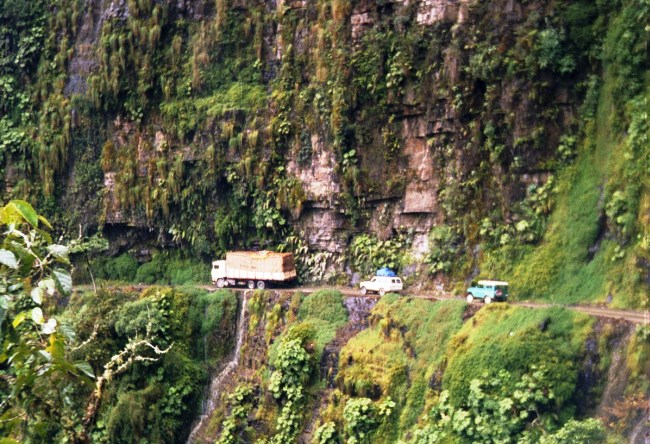 Road deaths in Bolivia is a huge slope North Yungas Road 5