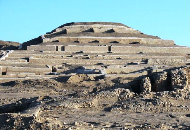 Cult center of Nazca - Cahuachi settlement 2