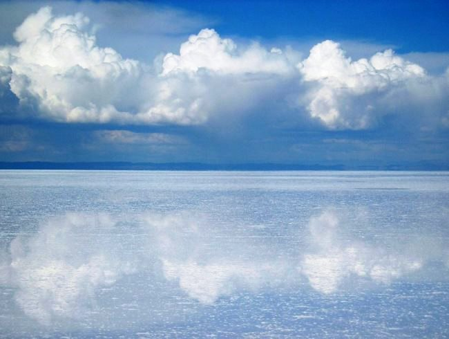 Salty desert Salar de Uyuni 2