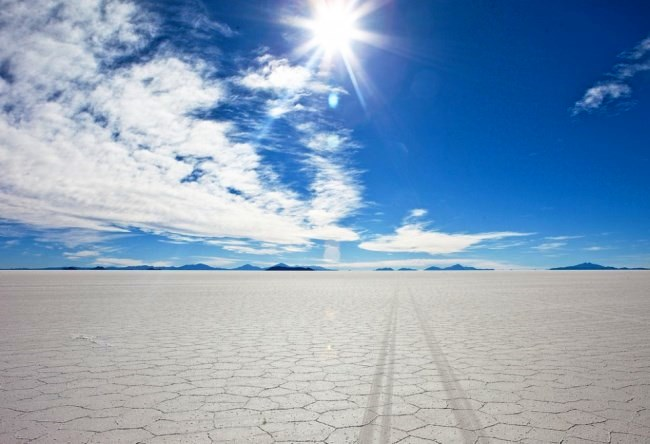 Salty desert Salar de Uyuni 3