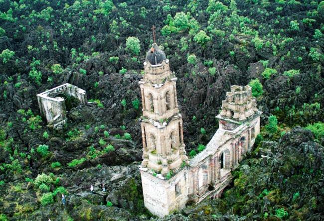 Church of San Juan Parangaricutiro destroyed by the volcano Paricutin 5