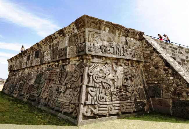 City feathered serpent Xochicalco 2
