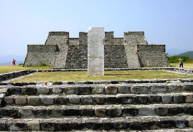 City feathered serpent Xochicalco 5