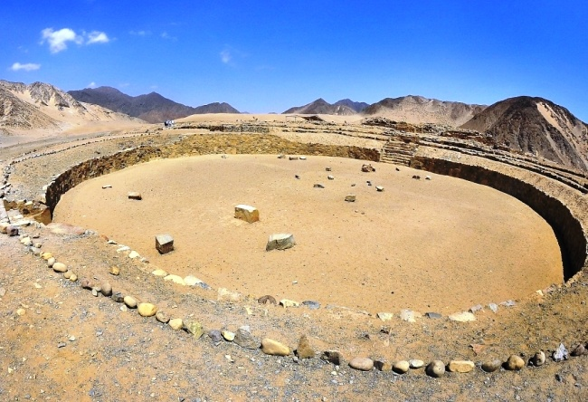 The ancient trading city of the Americas Caral 4