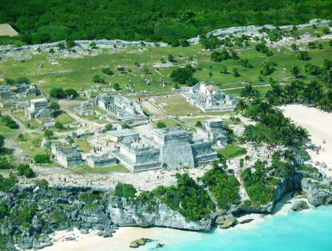 Tulum is an ancient Mayan city 2