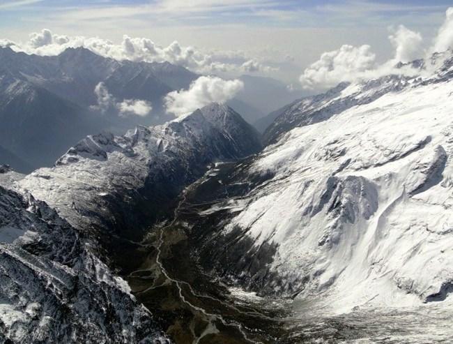 Величайшая в мире горная гряда - Гималаи