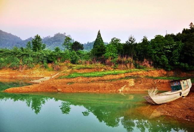 Озеро Тысячи Островов Цяньдаоху