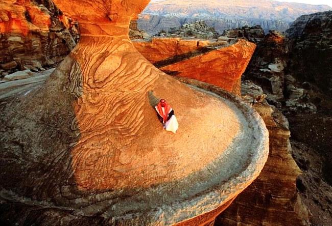 Каменный оазис посередине Аравийской пустыни 2