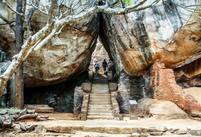 Сигирия  древний город на Шри-Ланке 4