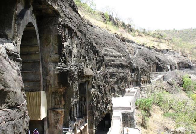 Пещерный буддийский комплекс Аджанта 2