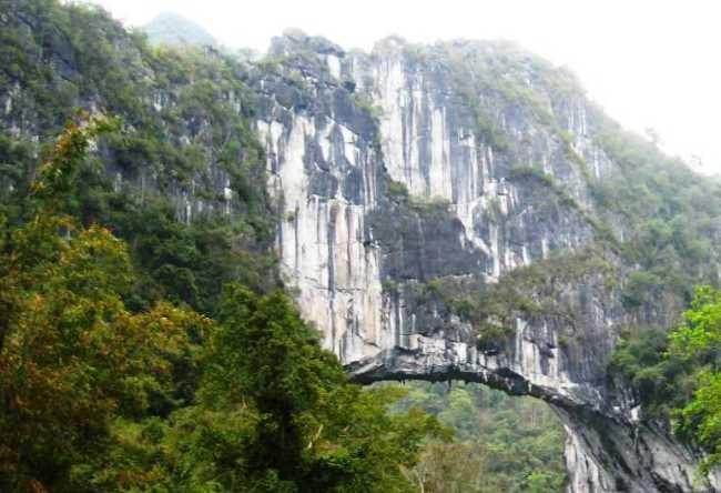 Fairy Bridge через Buliu  карстовый мост Феи в Гуасин 3
