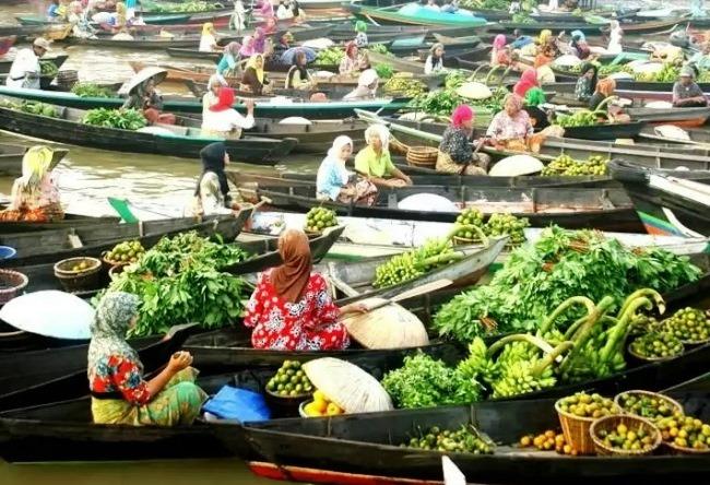 Плавучий рынок Банджармасин 4 1486.аз