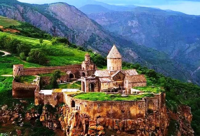 Возрождение воплощенной легенды – Татевский монастырь, «крылатый»