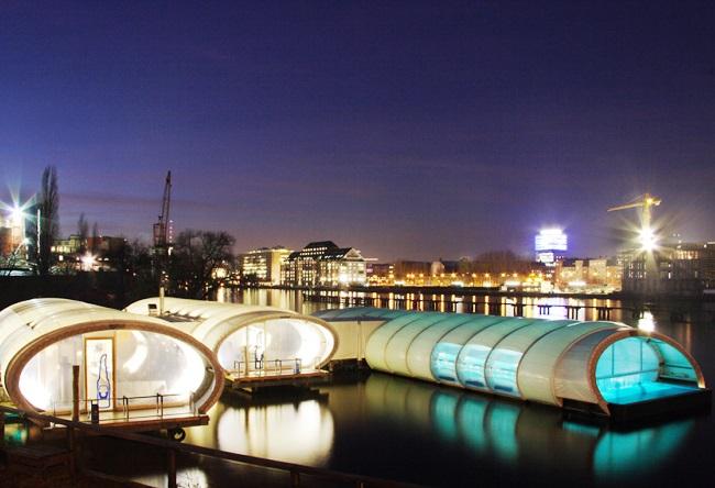 Бассейн Badeschiff в Берлине 3