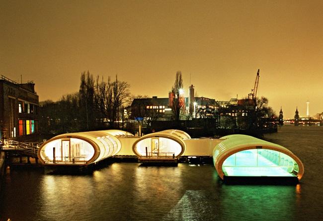 Бассейн Badeschiff в Берлине 6