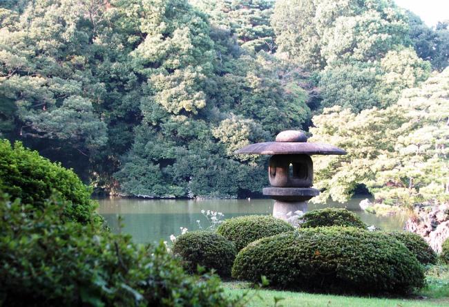 Поэтичный сад Rikugien в Токио 3