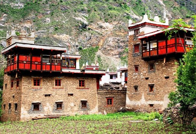 Одна из загадок Китая: долина тысячи замков