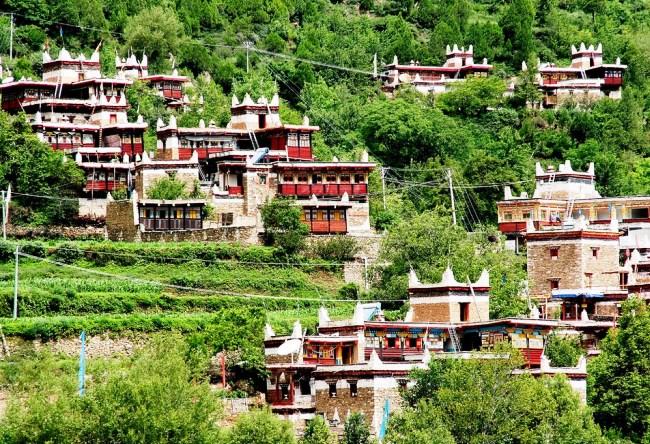 Одна из загадок Китая долина тысячи замков 3