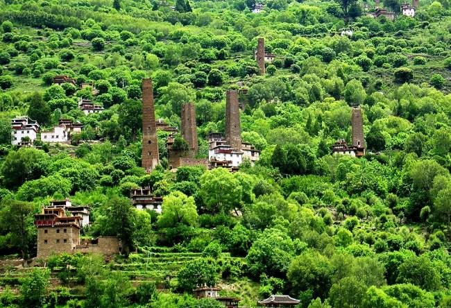 Одна из загадок Китая долина тысячи замков 5